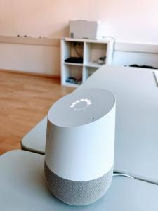 Google Home Test im Büro